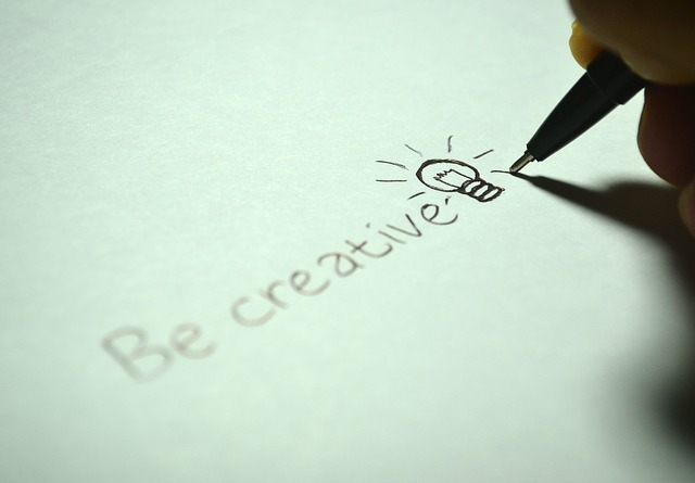 creative-725811_640